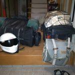 【自分でできるバイクカスタム】ホームセンターにあるものでパニアケースをつける方法