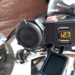 【自分でできるバイクカスタム】USB電源とシガソケの簡単なつけ方